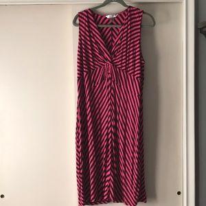 V-neck Sleeveless Stripe Dress